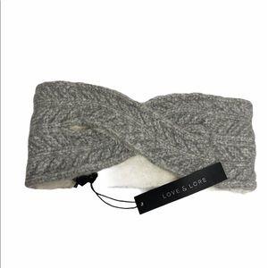 2/$20 🛍️ Love & Lore Grey Chevron Headband